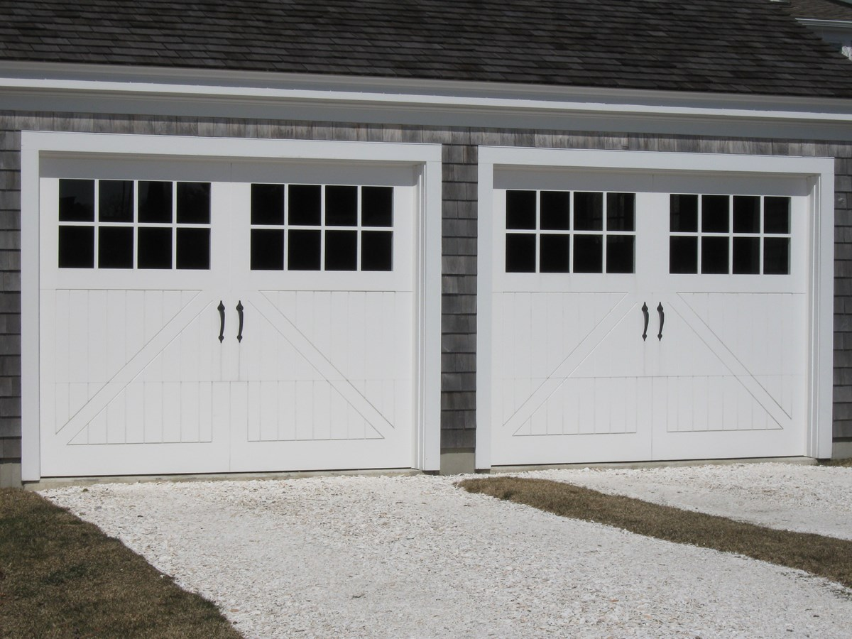 Distinctive Garage Doors for Exceptional Homes.